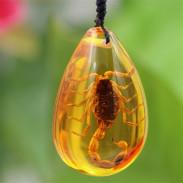 Янтарный кулон Скорпион